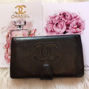 Authentic Chanel wallets, lamp skin leather!